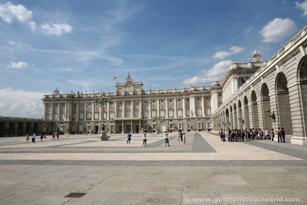 Patio de Armas del Palacio Real