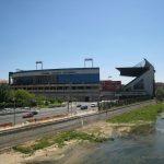 Estadio Vicente Calderón desde el parque de San Isidro