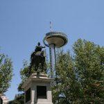 El General San Martín intenta tocar el Faro de Moncloa