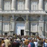 Orquesta tocando un domingo en el Palacio Real