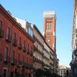 Calle Atocha e iglesia de la Santa Cruz