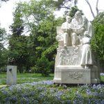 Monumento a Campoamor