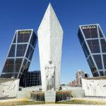 Torres Kio y monumento a Calvo Sotelo